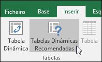 Aceda a Inserir > Tabelas Dinâmicas Recomendadas para que o Excel crie automaticamente uma tabela dinâmica