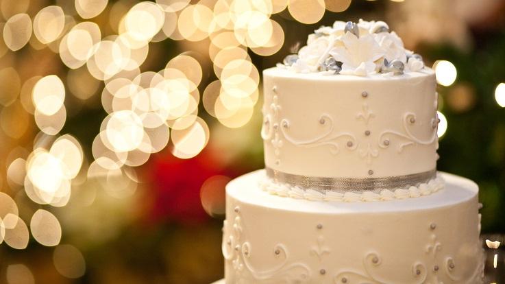 fotografia de um bolo de noiva