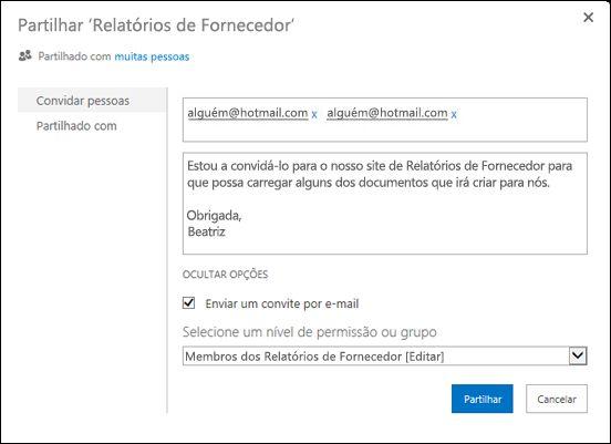 Imagem da caixa de diálogo Partilhar de um site povoada com os nomes de utilizador dos utilizadores externos.
