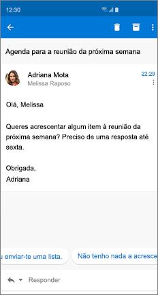 Mensagem de e-mail com duas respostas sugeridas