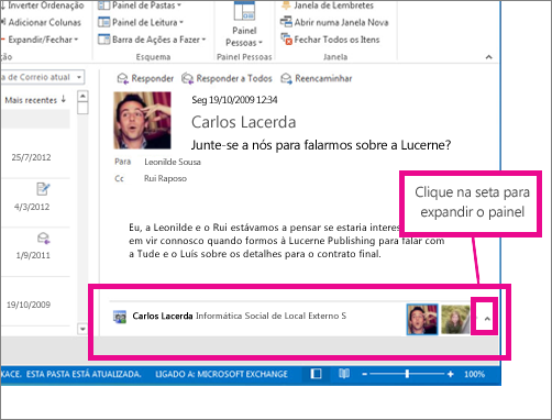 O Outlook Social Connector está minimizado por predefinição
