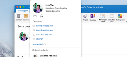 Cartão de contacto em primeiro plano e mensagem em segundo plano