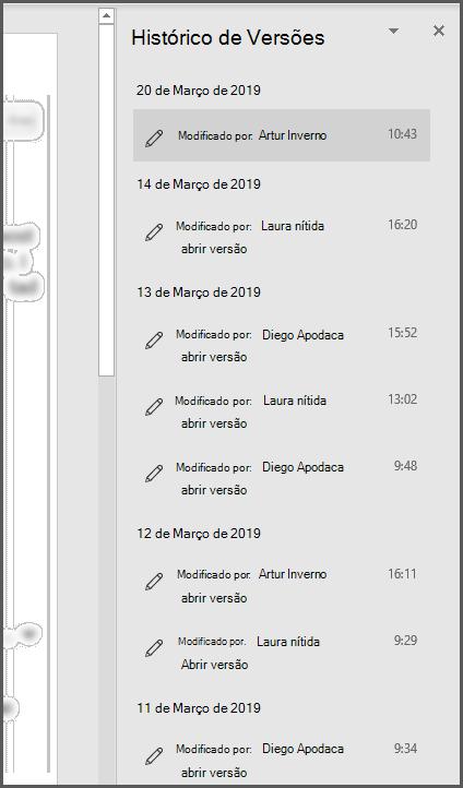 O painel de História da Versão no Office mostrando várias versões passadas do ficheiro