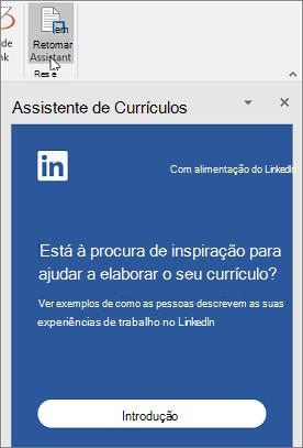 No separador Rever, clique em Assistente de currículo. Se for a primeira vez que tiver utilizado o Assistente de currículos, clique em começar.