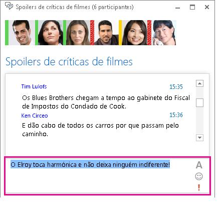 Captura de ecrã da janela da sala de chat que mostra uma mensagem com o tipo de letra alterado e um ícone expressivo adicionado