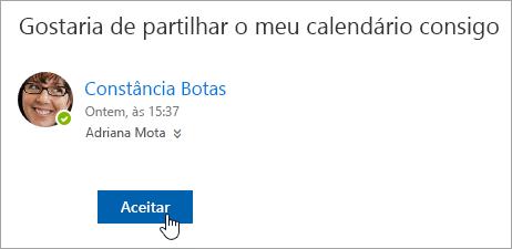 Uma captura de écran do botão Aceitar numa notificação por e-mail de um Calendário partilhado.