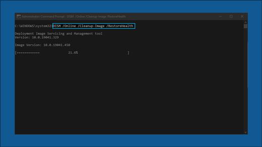 A linha de comandos que apresenta: DISM/Onlin /Cleanup-Image/RestoreHealth