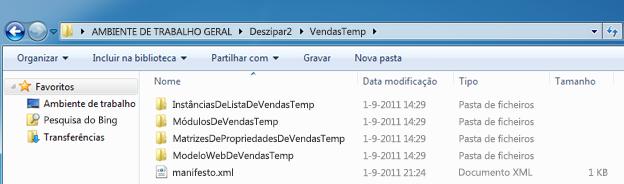 Captura de ecrã do Windows Explorer que mostra um Pacote de Solução da Web (.wsp) deszipado.