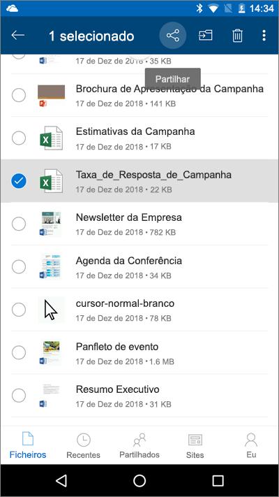 Captura de ecrã da aplicação OneDrive para dispositivos móveis com um ficheiro selecionado e o ícone Carregar realçado