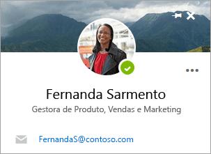 Uma captura de ecrã a mostrar o cartão de contacto, na página Pessoas.