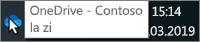 Captură de ecran care arată cursorul peste pictograma OneDrive albastră de pe bara de activități, cu text care specifică OneDrive - Contoso.
