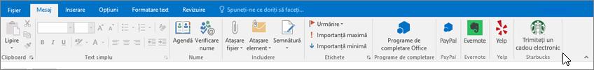 Captură de ecran a panglicii Outlook, cu focalizarea pe fila mesaj în care cursorul indică către programe de completare în partea din stânga îndepărtată. În acest exemplu, programele de completare sunt programe de completare Office, PayPal, Evernote, Yelp și Starbucks.