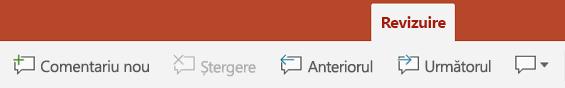 Fila Revizuire a Panglicii în PowerPoint pe tablete Android include și butoane pentru utilizarea de Comentarii.