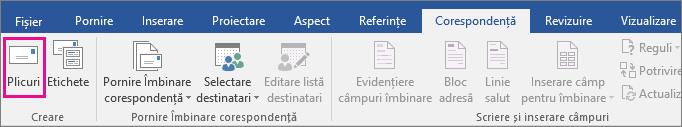 Opțiunea Plicuri este evidențiată în fila Corespondență.
