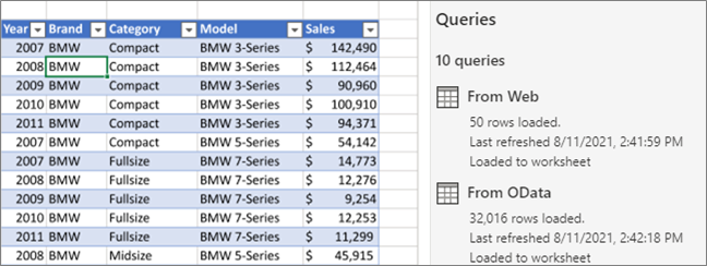 View of a query and the Queries task pane