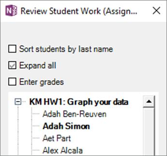 Panoul de elev/Student lucru revizuire în blocnotes școlar. Afișează o listă de nume de elevi/studenți sub o atribuire. Numele de atribuire și numele elev/student sunt în aldin, deoarece student are editat atribuire.