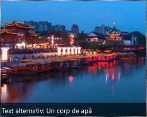 O imagine cu text alternativ generat automat în partea de jos a imaginii în Word pentru Windows.