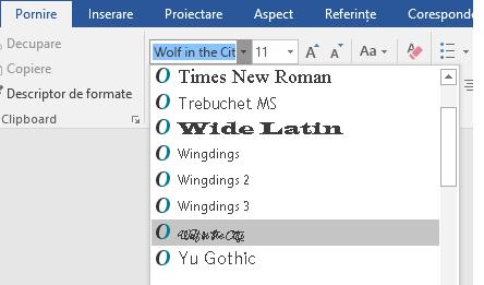 Noul font apare acum în lista de fonturi din Word.