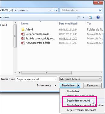 Caseta de dialog Deschidere afișând lista verticală din butonul Deschidere extinsă, indicatorul fiind peste opțiunea Deschidere exclusivă.