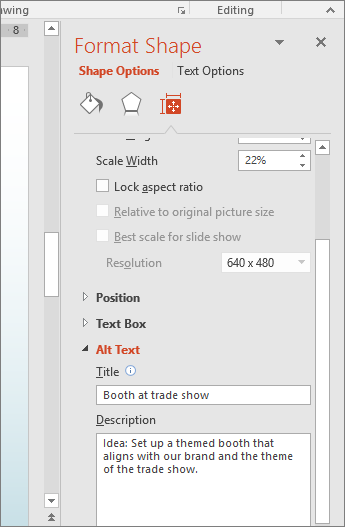 Captură de ecran cu panoul Formatare formă cu casetele de Text alternativ care descriu forma selectată