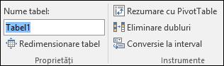 Imagine cu caseta de nume din bara de formule Excel pentru a redenumi un tabel