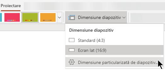 Opțiunile pentru dimensiunea diapozitivelor sunt disponibile lângă capătul din dreapta al filei Proiectare din panglica barei de instrumente din PowerPoint Online