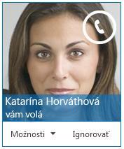 Snímka obrazovky s upozornením o prichádzajúcom hovore