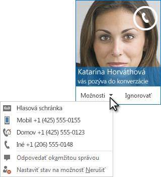 Snímka obrazovky s upozornením na zvukový hovor s obrázkom kontaktu v hornom rohu upozornenia