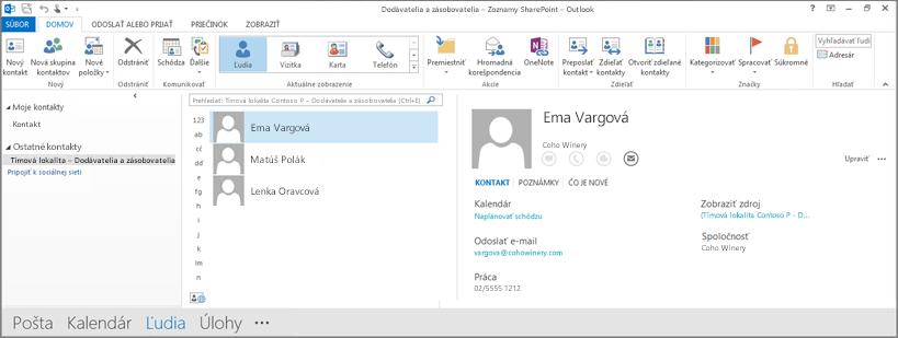 Snímka obrazovky kontaktov tímovej lokality po zobrazení vOutlooku