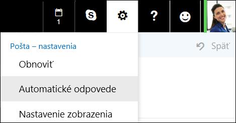 Automatické odpovede v Outlooku na webe