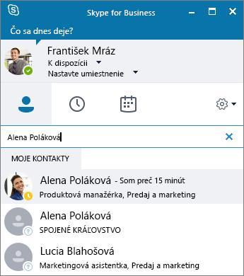 Snímka obrazovky s oknom Skypu for Business pri hľadaní kontaktu na pridanie.