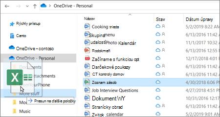 Snímka premiestnenia súboru do iného priečinka vo OneDrive.
