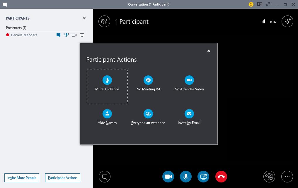 Účastníci schôdze cez Skype for Business