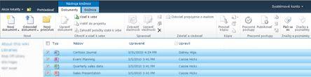 Knižnica dokumentov lokality SharePoint s viacerými súbormi označenými na vzatie z projektu