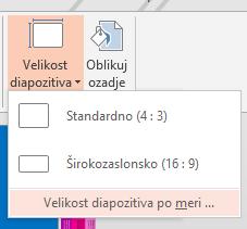 V meniju z velikostjo diapozitiva kliknite »Velikost diapozitiva po meri«.