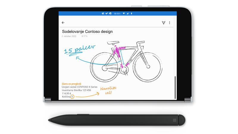 Surface duo z risbo v OneNotu in površinski slim Pen poleg nje