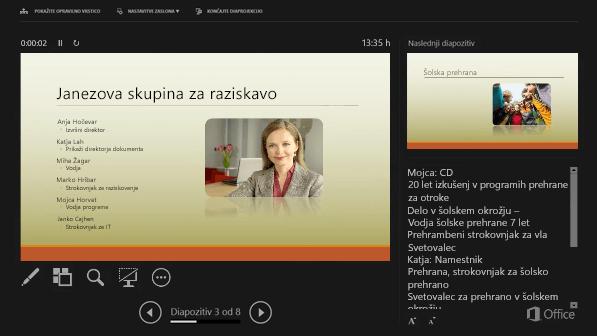 Pogled predstavitelja v programu PowerPoint 2016 z obkroženimi Opombami govornika