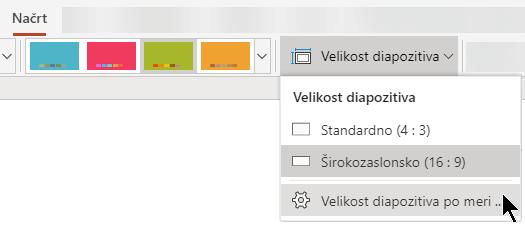 Možnosti za velikost diapozitiva so blizu desne strani zavihka »Načrt« traku orodne vrstice v storitvi PowerPoint Online