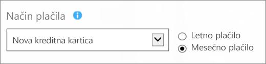 Posnetek zaslona, na katerem je prikazan razdelek »Način plačila« na strani »Kako želite plačati?«, z izbranima možnostma »Nova kreditna kartica« in »Plačilo po mesecih«.