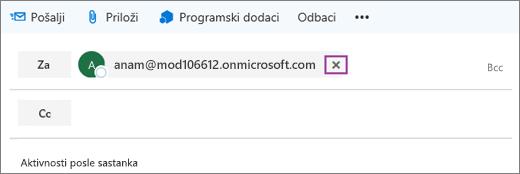 Snimak ekrana prikazuje red e-poruke sa opcijom da biste izbrisali e-adresu primaoca.