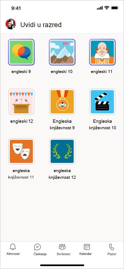 """Teams mobilnom uređaju u aplikaciji """"Klasa Uvidi"""" prikazujući pločice za osam timova razreda."""