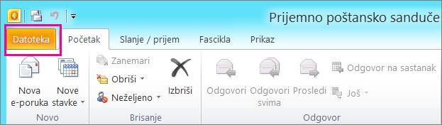"""U programu Outlook 2010 odaberite karticu """"Datoteka""""."""