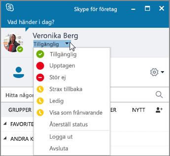 Skärmbild av Skype för företag-fönstret med statusmenyn öppen.