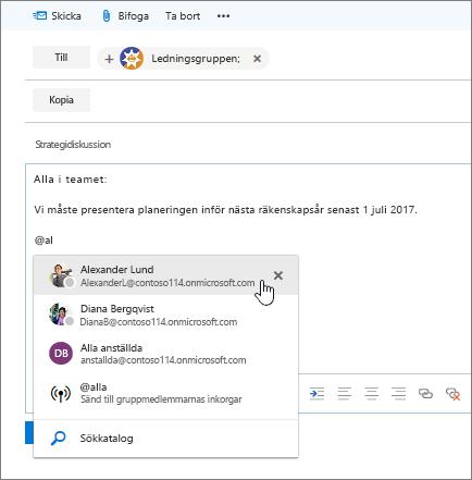 Skärmbild av dialogrutan för nytt e-postmeddelande i Outlook, som visar ett @omnämnande i meddelandetexten.