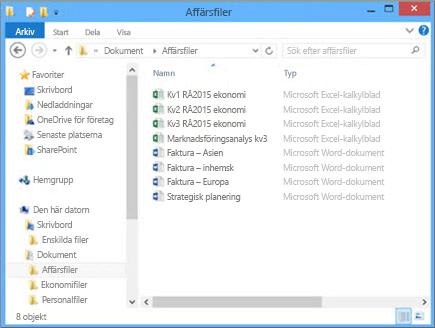 Välj Bläddra på datorn om du vill navigera till filen du vill ladda upp på gruppwebbplatsen.