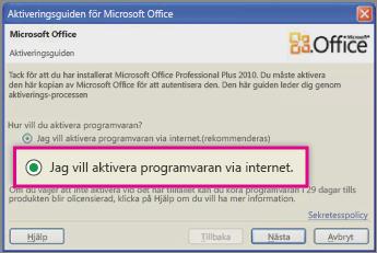 Aktivera programvaran på internet