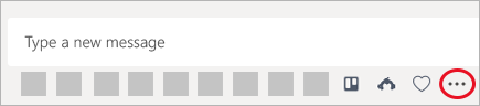 Exempel där apparna Trello, SurveyMonkey och anpassade klister märken – tre appar med meddelande funktioner – har lagts till i Teams.