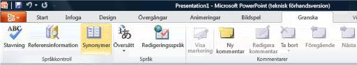 Synonymordboken på fliken Granska i menyfliksområdet i PowerPoint