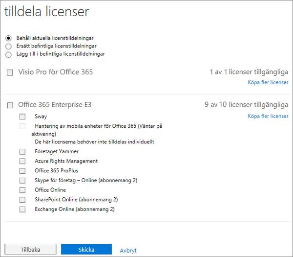 Skärmbild av sidan Tilldela licenser som visas när du lägger till eller ersätter licenser för flera användare samtidigt.