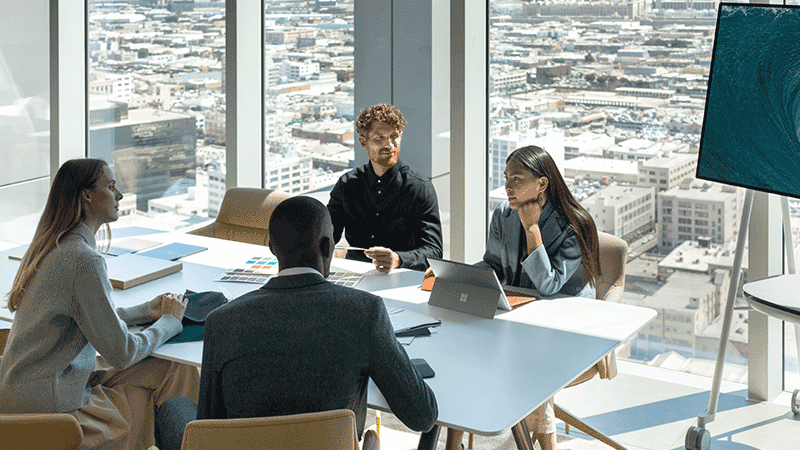 Surface Hub i ett mötesrum.